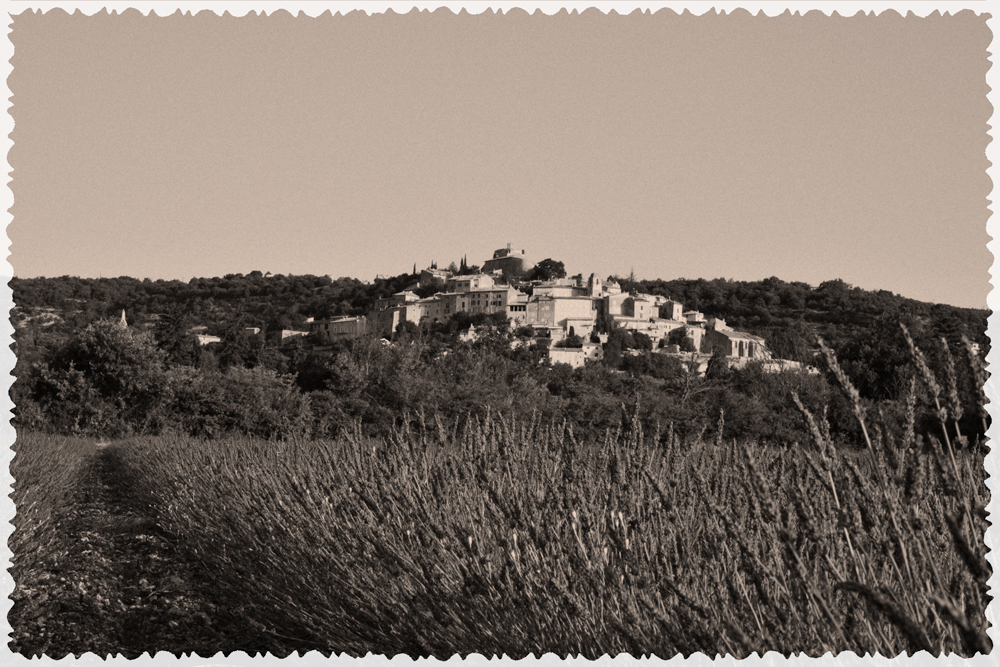 vieux village perché Simiane archive 04150