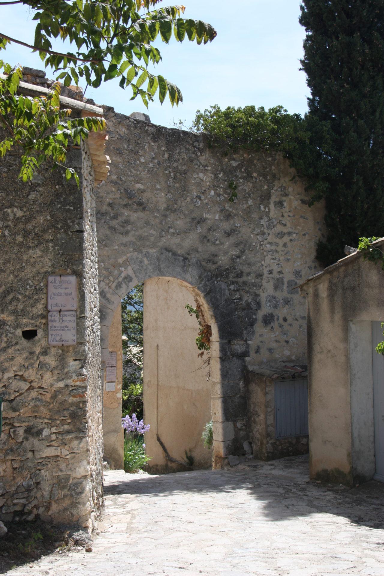 Ruelle villages & Cités de caractères Simiane-la-Rotonde